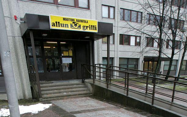Allun Grilli sijaisee Myyrmäenraitilla.
