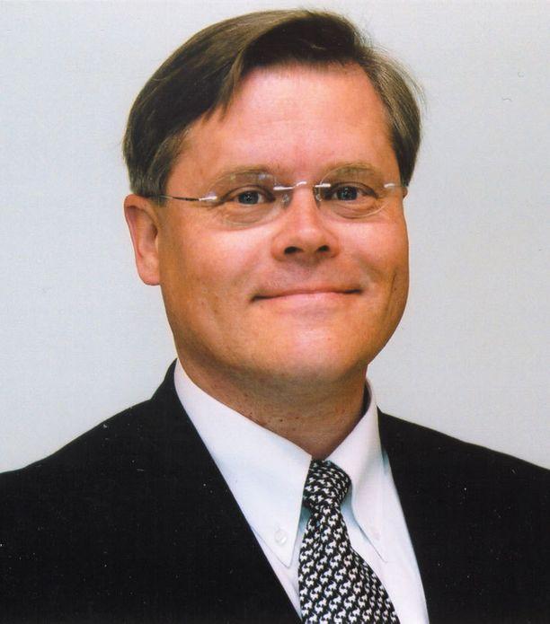 Professori Matti Wiberg kummeksuu Himas-projektin rahoittajien vastuunpakoilua.