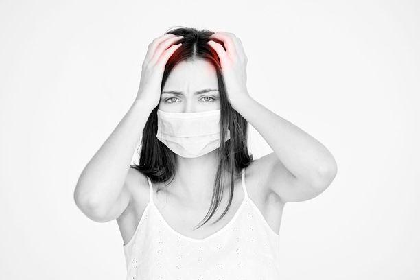 Koronavirusinfektioon liittyy joskus pitkään kestäviä oireita.