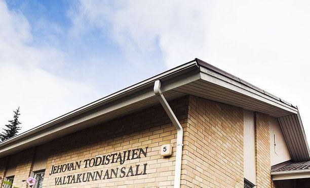 Suomessa Jehovan todistajat ovat ottaneet Venäjältä paenneita uskonveljiään avosylin vastaan.