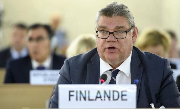 IL:n selvityksen mukaan ulkoministeri Timo Soini on tehnyt kesäkuun alusta 2015 ja tammikuun 2018 välisenä aikana yhteensä 82 ulkomaanmatkaa. Kuvassa Soini Genevessä syyskuussa 2017.