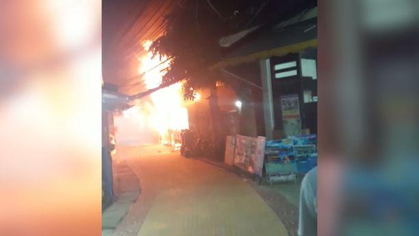 Palo syttyi tiistaina illalla paikallista aikaa.
