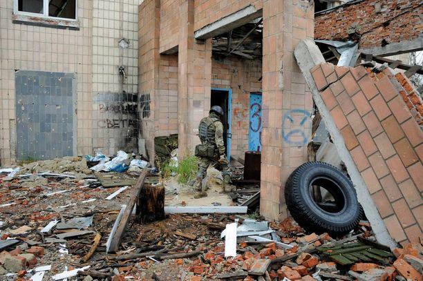 Peskin kylä Itä-Ukrainan etulinjassa on tuhoutunut lähes täysin taisteluissa. Nytkin taistelut ovat yltyneet juuri sen alueella.