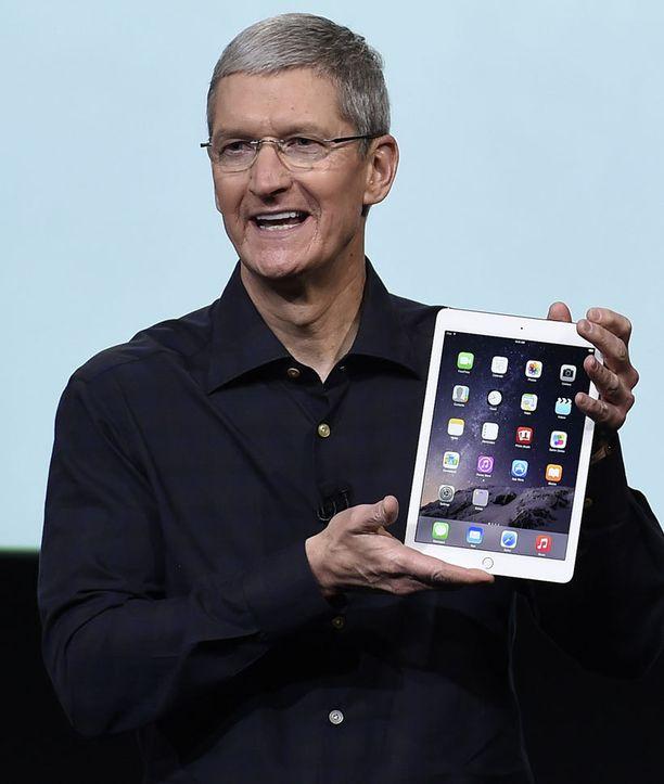 Applen toimitusjohtaja Tim Cook esitteli uuden iPad Air 2:n.