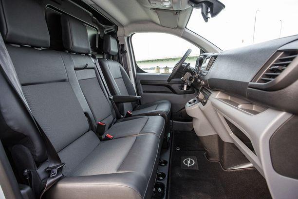 Assa Abloy Entrance Systems Finlandilla on käytössään 95 Opel Vivaro -pakettiautoa.