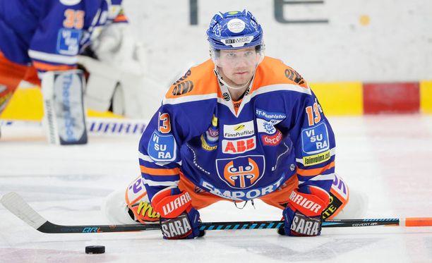 Valtteri Kemiläinen nappasi 23 ottelussa mukavat tehot 1+12 ennen sairauslomaansa.