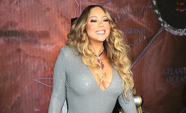 Mariah Carey on toki ollut listaykkösenä monesti aiemminkin, mutta All I Want for Christmas Is You -kappale koreilee ensimmäistä kertaa Billboardin Hot 100 -listan kärjessä.