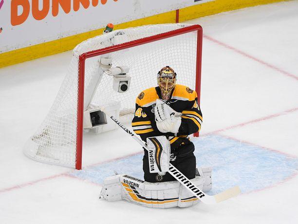 Boston Bruinsin Tuukka Rask selvisi vähäisellä työmäärällä ensimmäisessä Stanley Cup -finaalissa.