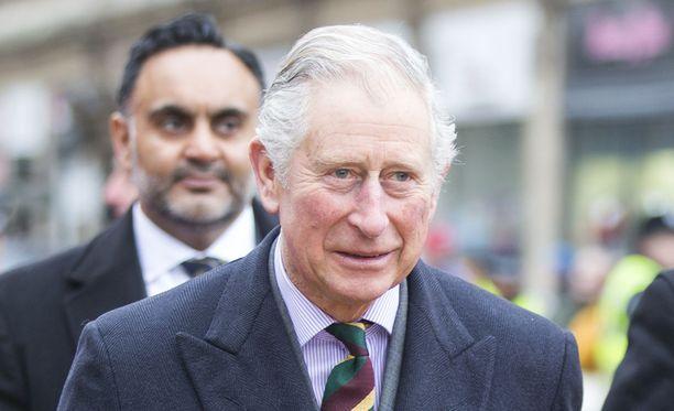 Prinssi Charles otti osaa Palmer-Tomkisonin perheen suruun.