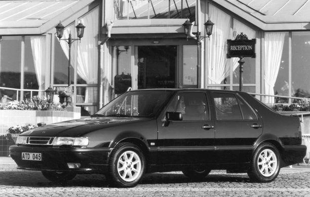 Kuvituskuva (v. 1996): Saab 9000 ecoturbo.