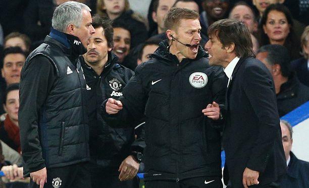 Jose Mourinho ja Antonio Conte taistelevat verbaalisesti.
