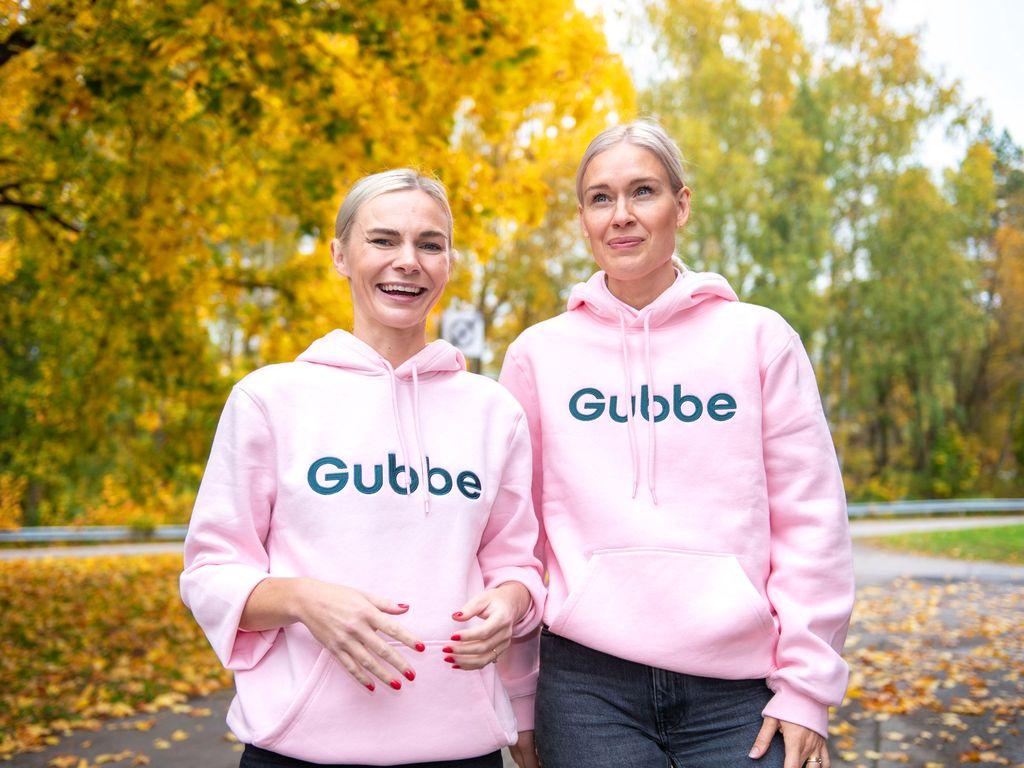 Sandra Lounamaa ja Meri-Tuuli Laaksonen tapasivat esikoisia odottaessaan.
