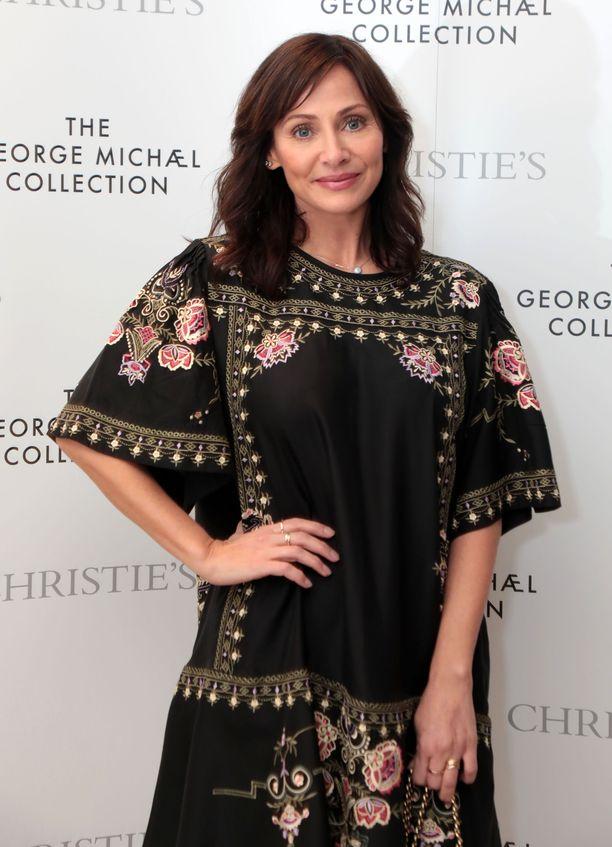 Natalie Imbruglia teki läpimurtonsa Neighbours -televisiosarjassa.