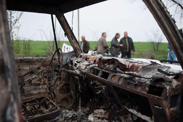 Paikalta löytynyt auto on tuhottu polttamalla.