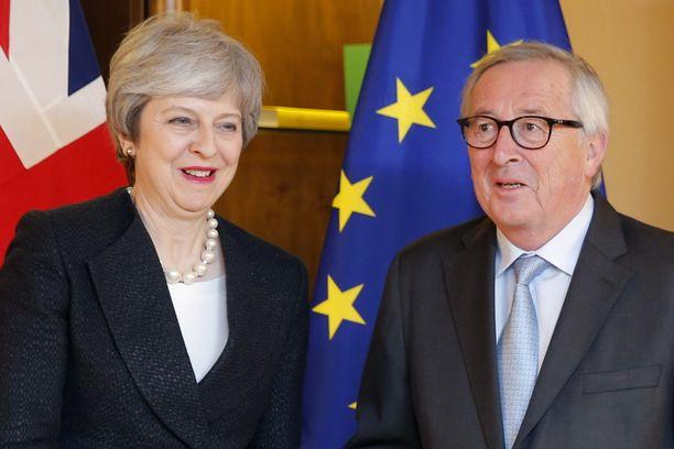 Britannian pääministeri Theresa May ja Euroopan komission puheenjohtaja Jean-Claude Juncker tapasivat maanantaina Ranskan Strasbourgissa.
