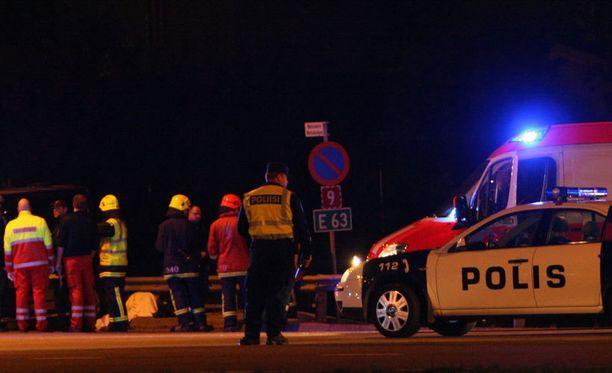 Suomessa ajetaan maanteillä parikymmentä itsemurhakolaria vuodessa. Kuva ei liity tapauksiin.