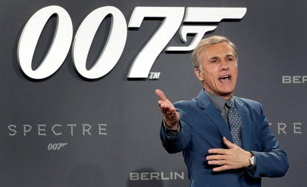 Christoph Waltz Saksassa Spectren ensi-illassa keskiviikkona.