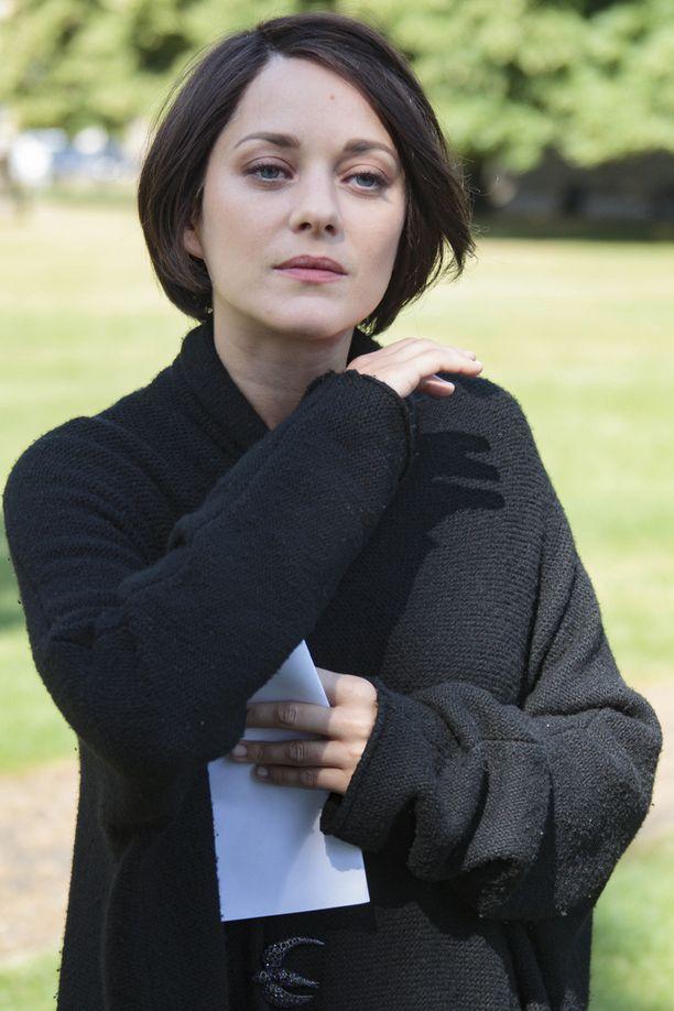 Marion Cotillard on tumma kaunotar.