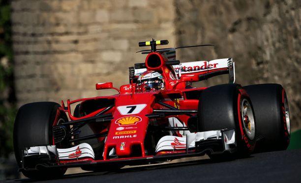 Kimi Räikkönen toivoo Ferrarin löytävän vastauksen Azerbaidzhanin GP-radan haasteisiin.