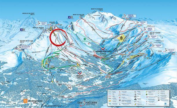 Turmapaikka merkittynä karttaan punaisella ympyrällä.