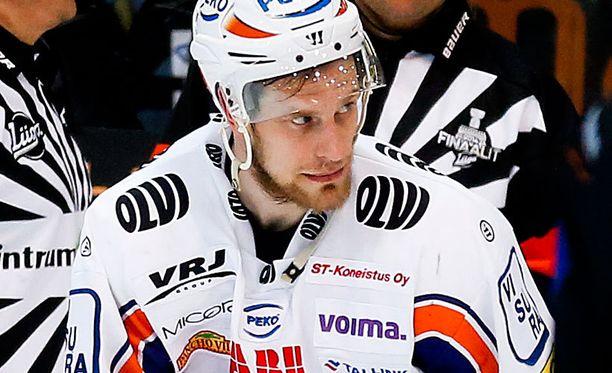 Ville Nieminen sai lähtöpassit Tapparasta.
