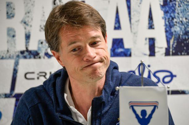 HJK:n päävalmentaja Mika Lehkosuo on vaikeassa tilanteessa.