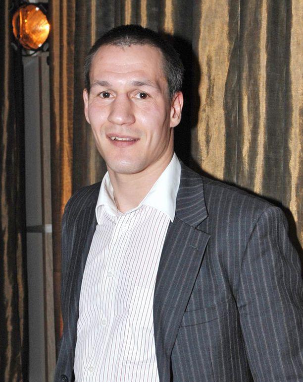 Nyrkkeilijä Amin Asikainen voitti 5000 euroa Bulgariassa Unibet Open -kisassa.