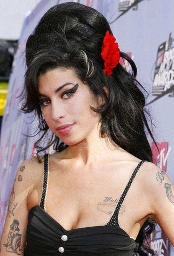 Amy Winehousen omaisuus kiinnostaa poliisia.