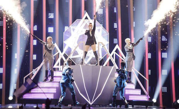 Saara Aalto vei Suomen Euroviisuissa sijalle 25.