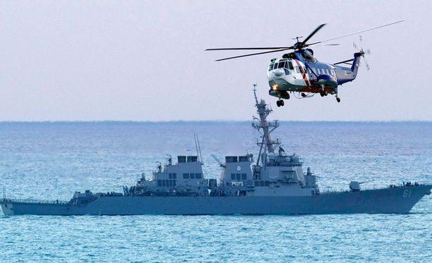 Yhdysvalloilla on neljä sotalaivaa Välimerellä Syyrian sisällissodan takia.