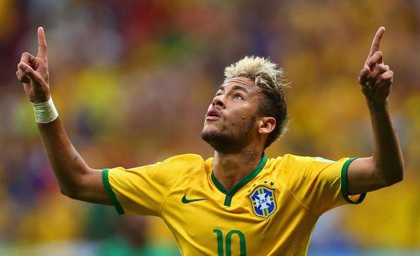 Neymar teki kaksi maalia avausjaksolla.