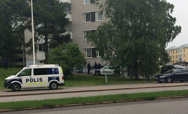 Poliisilla oli lauantaina poliisioperaatio Helsingin Maunulassa.
