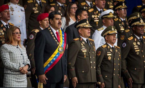 """Venezuelan presidentti Nicolas Maduro selvisi vahingoittumattomana """"drone-hyökkäyksestä""""."""
