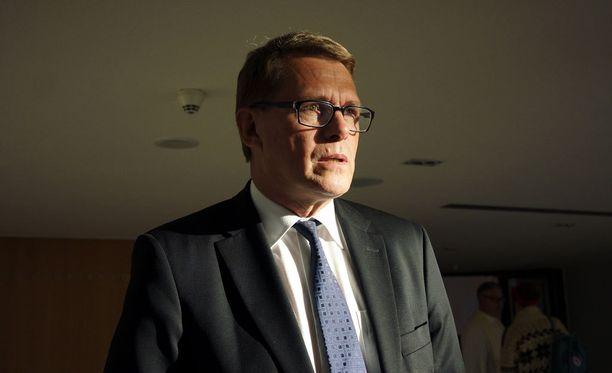 Keskustan eduskuntaryhmän puheenjohtajan Matti Vanhasen mukaan pääministeri Sipilä voi marssia milloin tahansa presidentin puheille.