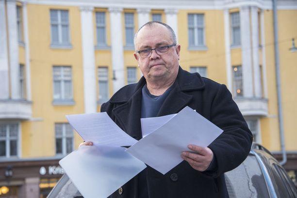 Juhani Tamminen jätti Poliisihallitukselle kaksi Aarnio-vyyhtiin liittyvää tutkintapyyntöä.