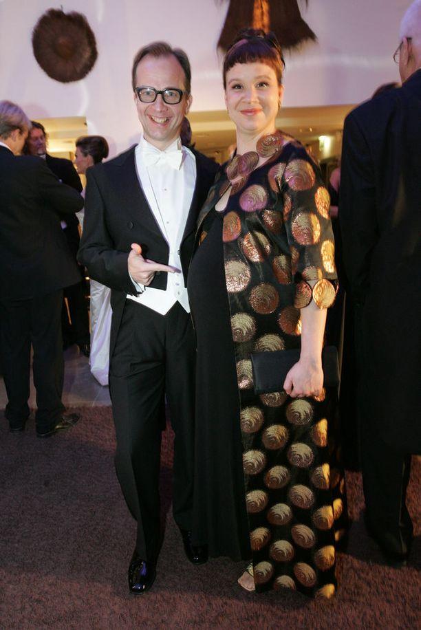 Rosa Meriläinen oli viimeisillään raskaana Linnan juhlien jatkoilla vuonna 2005. Kuukauden kuluttua perhe kasvoi Frans-pojalla.