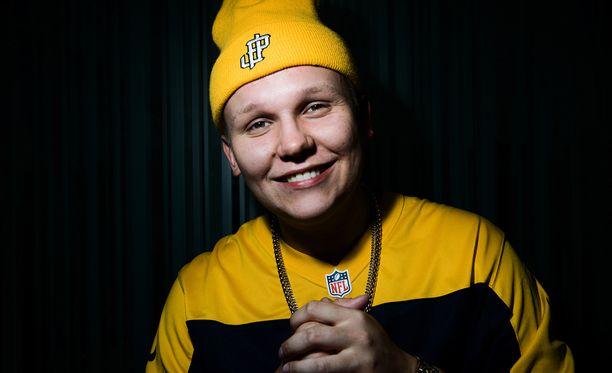 Arttu Lindeman luo uraa tubettajana ja artistina.