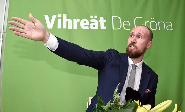 Oppositiopuolue vihreiden nousukiito kannatusgallupeissa tyssäsi tuoreimmassa HS-gallupissa. Kuvassa puolueen tuore puheenjohtaja Touko Aalto.