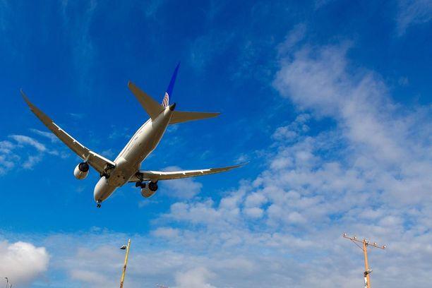 Boeing testasi Flightradar24-sivuston mukaan uutta moottoriaan. Kuvassa United Airlinesin Boeing 787-9 Dreamliner.