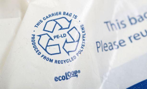 Muovikassien kulutus on tippunut Kaupan liiton mukaan huomattavasti odotuksia enemmän, uutisoi Kaleva.