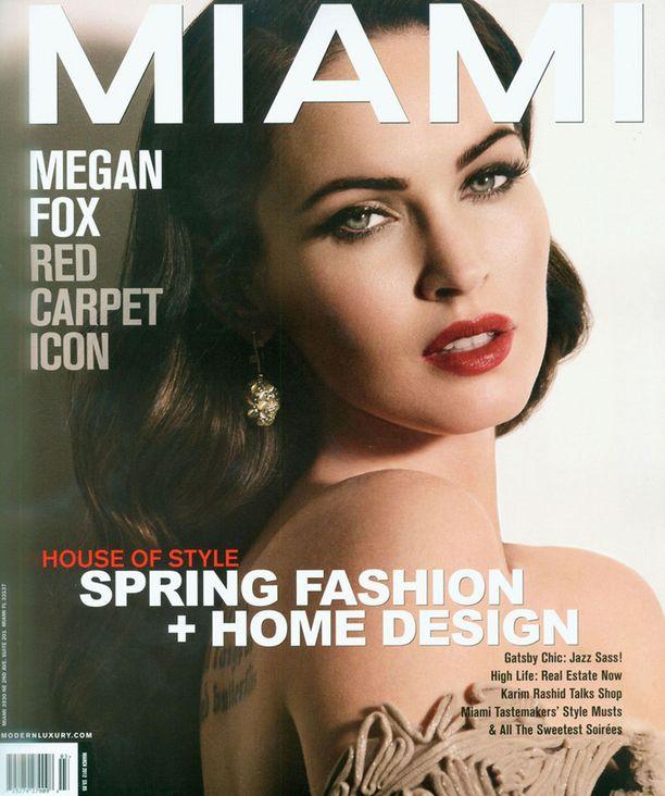 Kansien kuningatar Megan Fox.