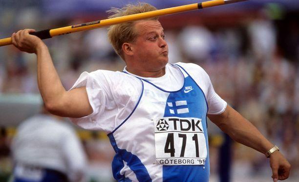 Seppo Räty kuvattuna Göteborgin MM-kisoissa vuonna 1995.