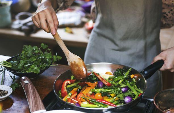 Vielä enemmän kasviksia ja vähemmän lihaa tekee tutkimusten mukaan Välimeren ruokavaliosta entistä paremman.