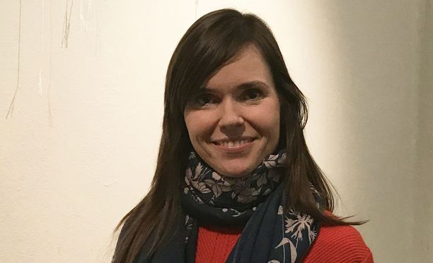 Hanna Poikonen on koulutukseltaan tanssija ja neurotieteilijä.