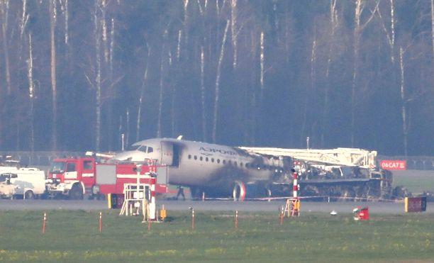 41 ihmistä menehtyi sunnuntaina tapahtuneessa koneturmassa Moskovan Sheremetjevon lentokentällä.