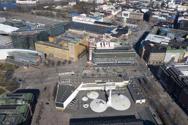 Keväänä autiona pysynyt Helsingin keskusta avautuu monilta osin huomenna.