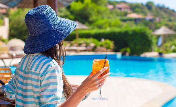 Etenkin kesälomalla tulee nautittua useammin alkoholia kuin yleensä.