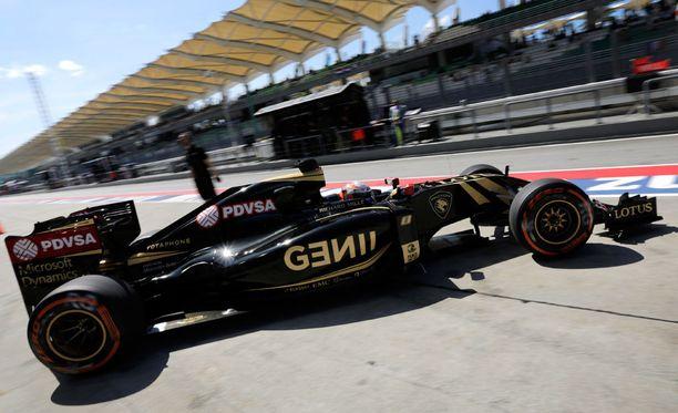 Romain Grosjeanin lähtösijoitus putosi kaksi sijaa.