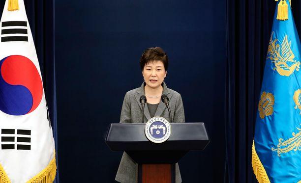 Etelä-Korean presidentti Park Geun-hyen eroa on vaadittu mielenosoituksin.