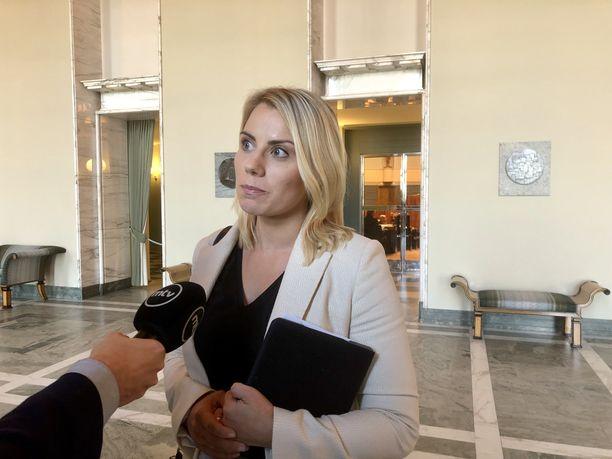 Saara-Sofia Sirén kertoo ottavansa vastaan ratkaisustaan mahdollisesti seuraavat sanktiot.